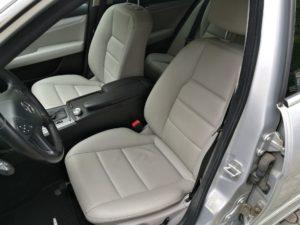 Czyszczenie skóry Mercedes C180 - fotel