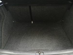 Czyszczenie tapicerki VW Golf - bagażnik